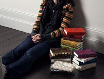 Coralie Bickford-Smith: Îmi place la nebunie să mă joc cu modelul, forma, culoarea și textura