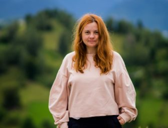 Cătălina Miciu și lumea femeilor care scriu la fel de bine ca bărbații
